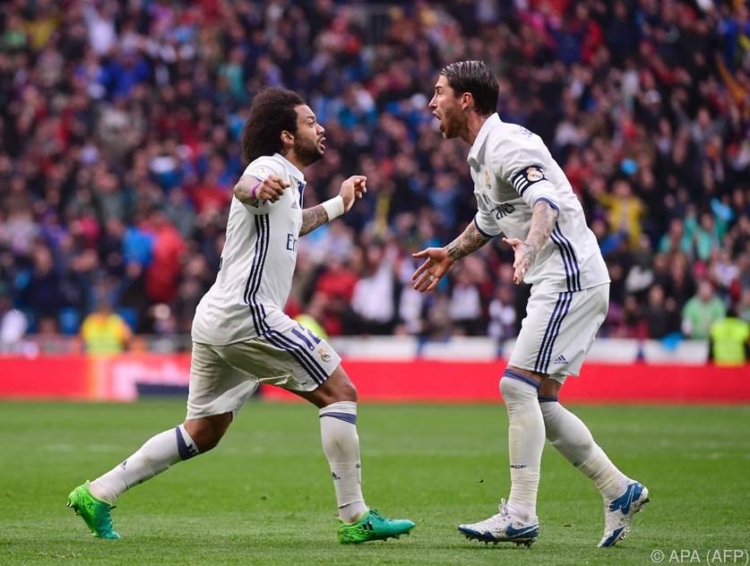 Für Zinedine Zidane ist Marcelo (links) in der