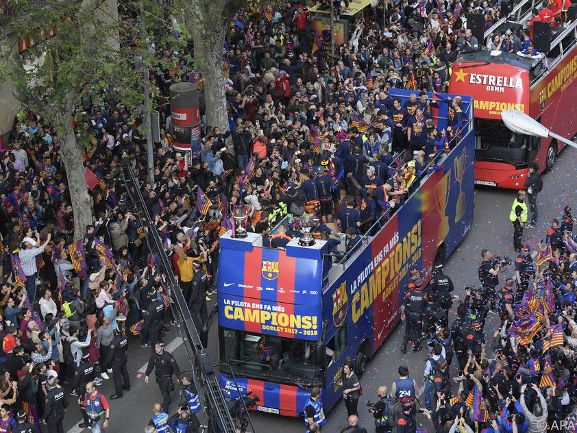Der FC Barcelona feiert seinen 25. Meistertitel