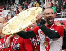 Salzburg-Trainer Marco Rose in Feierlaune