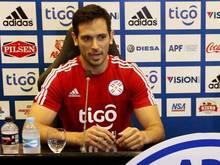 Roque Santa Cruz hat seinen Rückzug aus der Nationalmannschaft verkündet