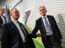 Weihnachtliche Stimmung beim FC Bayern: Karl-Heinz Rummenigge würdigt Trainer Jupp Heynckes in den höchsten Tönen