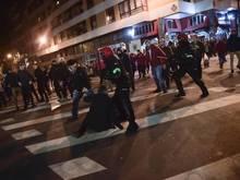 Hunderte Chaoten lieferten sich in Bilbao Straßenschlachten
