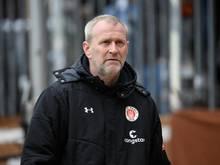 FC St. Paulis Sportchef Uwe Stöver lässt keine Trainerdiskussion zu