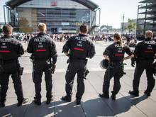 Die Kosten der Polizeieinsätze bei Hochrisikospielen sollen künftig aus einem Fonds beglichen werden