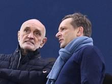 Will von Manager Horst Heldt (r.) klare Worte: 96-Boss Martin Kind. Foto: Daniel Reinhardt