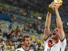 Per Mertesacker im Moment seines größten sportlichen Erfolgs