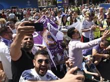 Fans von Real Madrid feiern in Kiew im Vorfeld des Spiels