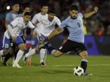 Uruguays Star Luis Suárez traf per Strafstoß