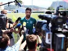 Sah sich einem selbstbewussten Journalisten aus Schweden gegenüber: Nationalspieler Sami Khedira