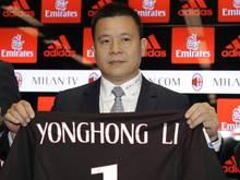 Li Yonghong hatte den AC Mailand im April 2017 vom langjährigen Besitzer Silvio Berlusconi gekauft