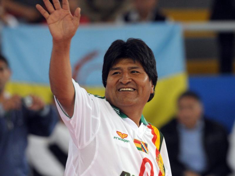 Boliviens Präsident Evo Morales sieht ein, dass seine Fitness für den Profifußball nicht reicht