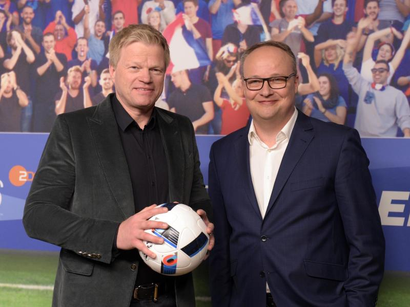 Werden die WM 2018 von Baden-Baden aus moderieren: Oliver Kahn und Oliver Welke