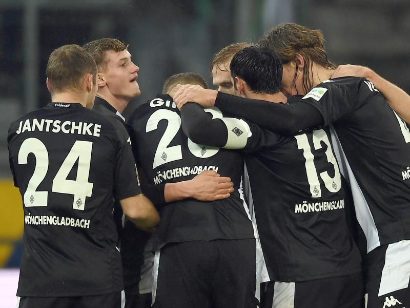 Borussia Mönchengladbach setzte sich gegen den FC Augsburg mit 2:0 durch