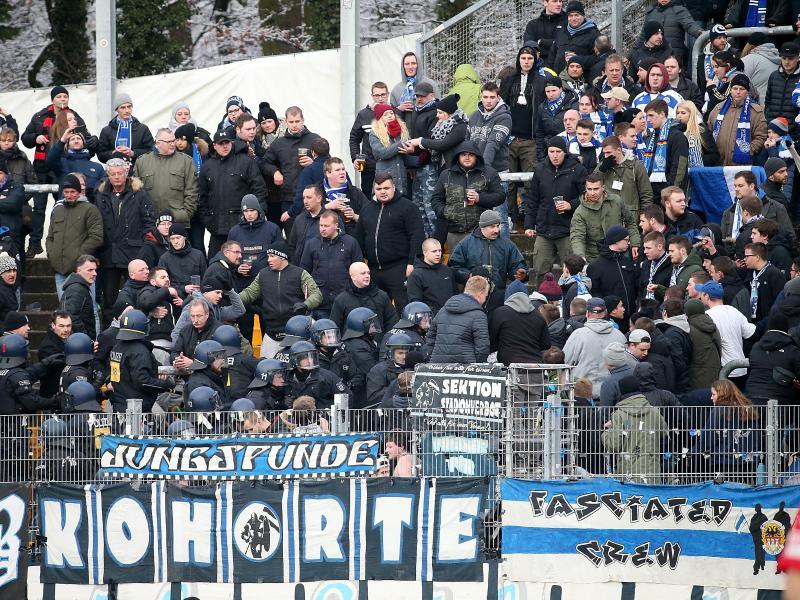 Einige Anhänger des MSV Duisburg sorgen beim Gastspiel in Darmstadt für einen Polizeieinsatz