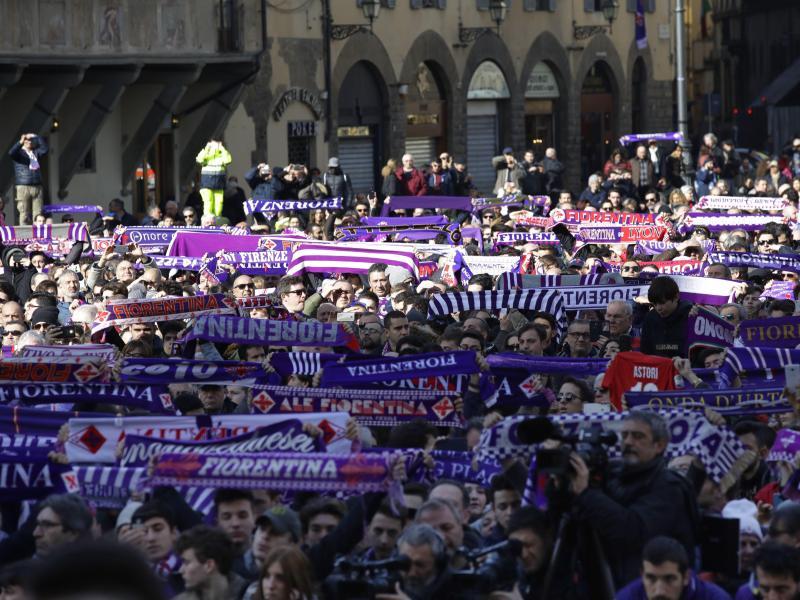 Tausende Fans verabschiedeten sich von Davide Astori
