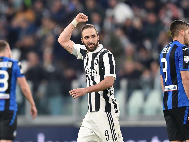 Juves Gonzalo Higuaín feiert seinen Treffer zum 1:0 gegen Bergamo