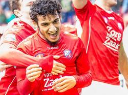Yassin Ayoub kan zijn geluk niet op als hij tegen Excelsior zorgt voor de openingstreffer. Het is voor de middenvelder pas zijn eerste goal in dit seizoen. (06-11-2016)