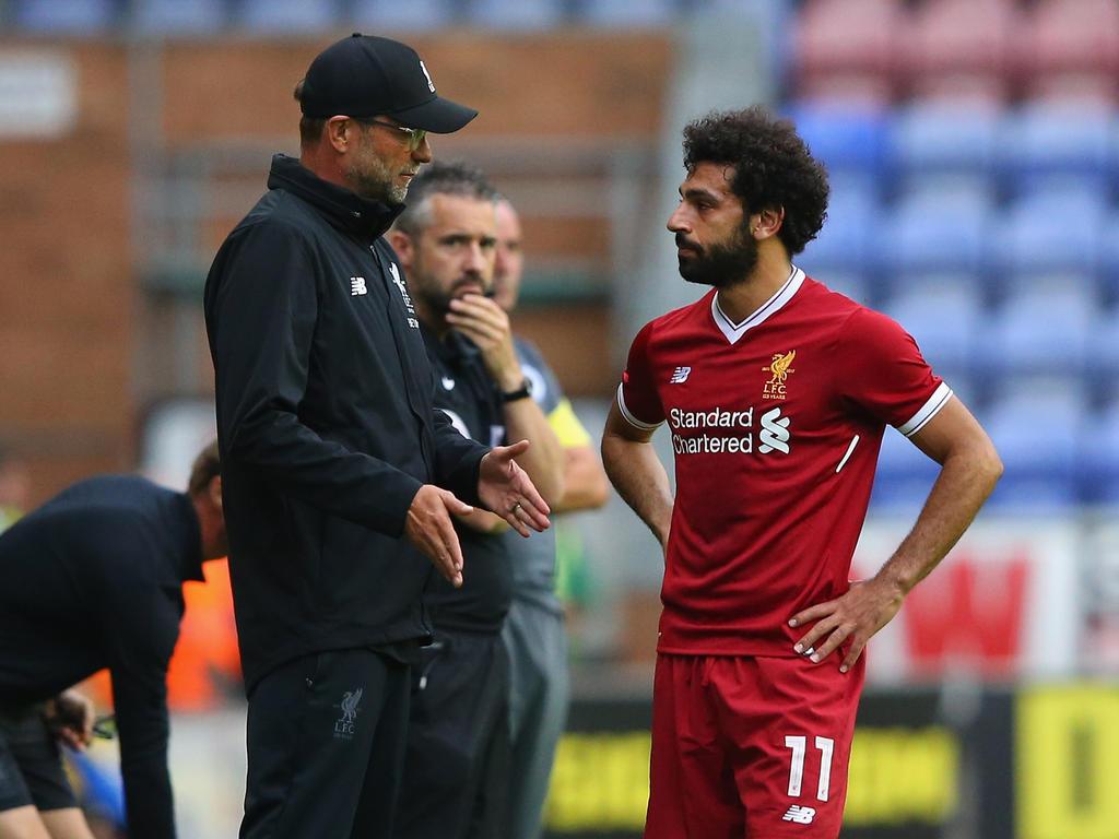 Mohamed Salah (r.) ist bislang der einzige Top-Neuzugang im Team von Jürgen Klopp (l.)