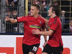 Nils Petersen (l.) rettete den Freiburgern einen Punkt