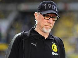 Peter Stöger hat die Derby-Pleite noch in den Knochen