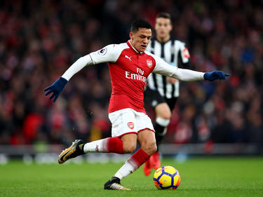 Alexis puede salir en breve del equipo londinense. (Foto: Getty)