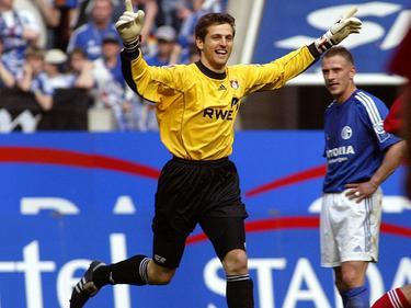 Erst gefeiert, dann ausgelacht! Hans Jörg Butt wird das Spiel auf Schalke 2004 wohl nie vergessen