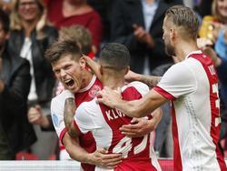 Zurück an alter Wirkungsstätte: Klaas Jan Huntelaar (l.) trifft für Ajax