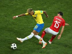 Neymar wurde von den Schweizern hart angegangen