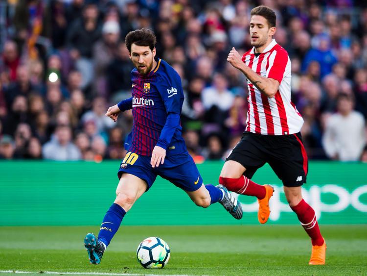 Messi encara el área rival para chutar a puerta. (Foto: Getty)