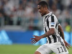 Dougas Costa bleibt bei Juventus Turin