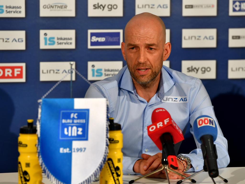 Günter Gorenzel-Simonitsch in Linz bei seiner Präsentation als Chefcoach