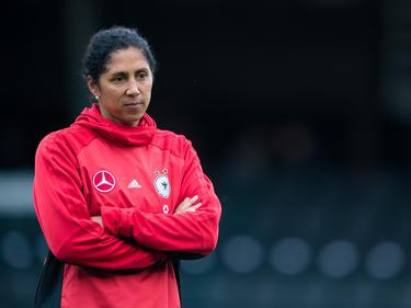 Bundestrainerin Steffi Jones muss auf Abwehrchefin Babett Peter verzichten