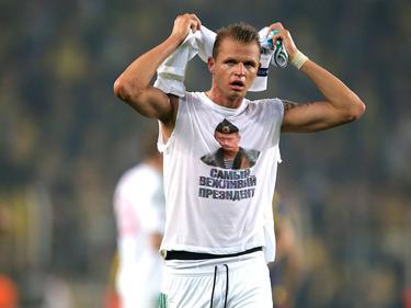 Tarasov tendrá que pagar mucho dinero por lucir esa camiseta. (Foto: Imago)