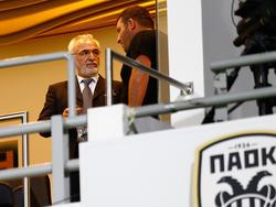 PAOK owner Ivan Savvidis (l)