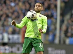 Der aserbaidschanische Nationalspieler Dimitrij Nazarov spielt für Erzgebirge Aue
