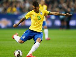 Firmino dispara a portería con la selección carioca. (Foto: Getty)