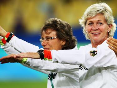 Silvia Neid (r.) freute sich über den Triumph in Rio