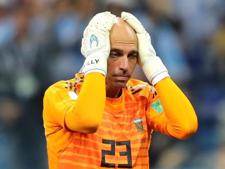 Caballero se desespera tras su error garrafal ante Croacia. (Foto: Getty)