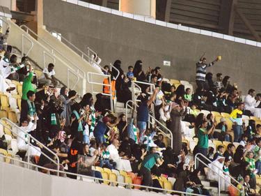 Zum ersten Mal durften in Saudi-Arabien auch Frauen ein Fußballspiel besuchen