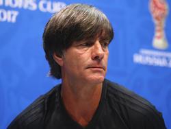 Bundestrainer Löw geht die kommenden Aufgaben mit Respekt an