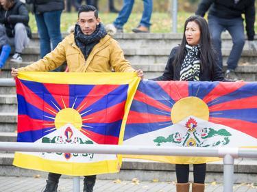 Tibetische Flaggen sorgten für Unmut bei Chinas Verband