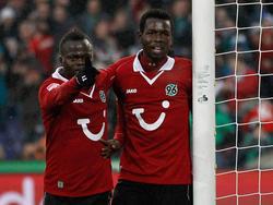 Didier Ya Konan (l.) geht wieder für Hannover auf Torejagd