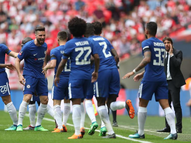 Olivier Giroud (l.) feierte seinen Treffer im FA-Cup-Halbfinale
