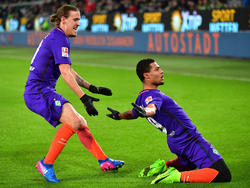 Max Kruse und Serge Gnabry sollen bei Werder bleiben