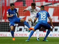 Kein Durchkommen für Genki Haraguchi (m.) und Düsseldorf