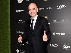 """FIFA-Präsident Gianni Infantino freut sich über eine """"historische Entscheidung"""""""