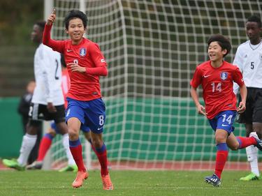 Woo-Yeong Jeong (l.) wechselt zum FC Bayern München