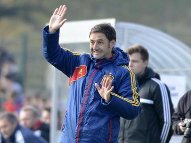 Spanien Coach Santi Denia steht mit seiner U17-Auswahl im Finale