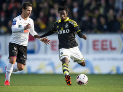 Ebenezer Ofori (re.) läuft ab sofort für den VfB Stuttgart auf