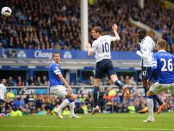 Manchester City steckt bei Everton den Schock eines 0:1-Rückstandes weg. Aguero sorgt für den Ausgleich und Edin Dzeko bringt die Citizens zurück auf den Weg Richtung Meistertitel